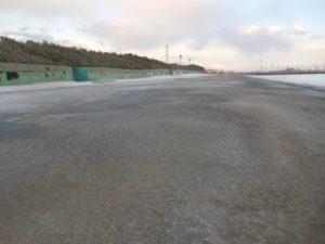 白い砂が消し飛びんだ稲毛海浜公園